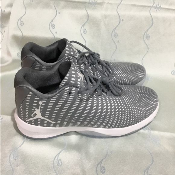 c97998bedb09 Nike men s Jordan B Fly Grey Basketball shoes